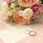 これで完璧!結婚式の招待状【手渡し・郵送のマナー】